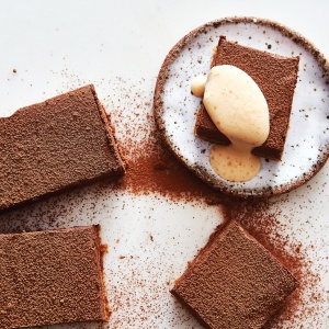 No-Bake Chocolate Mousse Bar