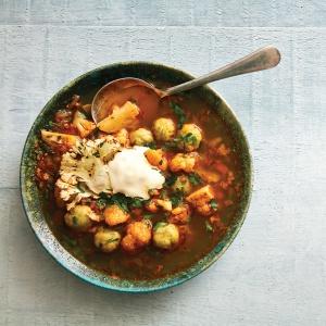 Spiced cauliflower & dumpling soup (Karfiolleves)