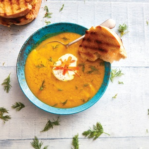 Fermented carrot borscht with ginger and turmeric